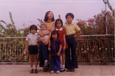 Thuy Dinh and Siblings, 1975 Photograph Courtesy of Thuy Dinh